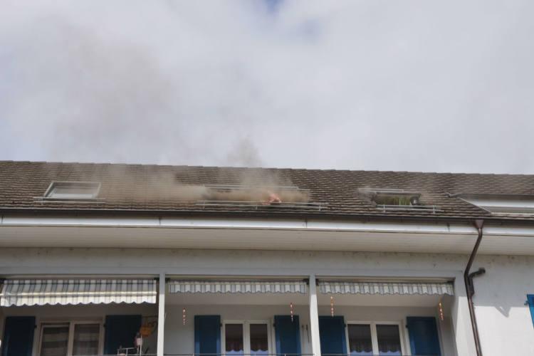 Wangen bei Olten SO - Brand in einer Dachwohnung