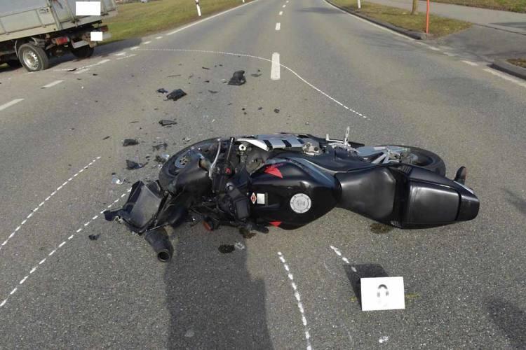 Gossau-ZH-Motorradfahrer-bei-Unfall-schwer-verletzt