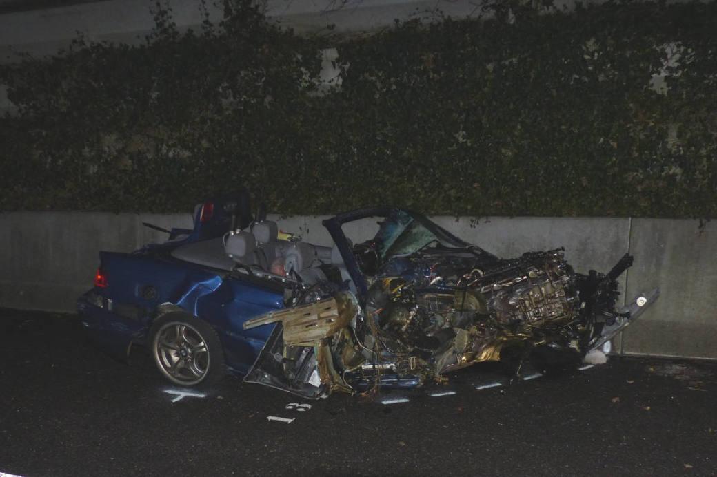 Wrack von einem der beiden Unfallwagen.