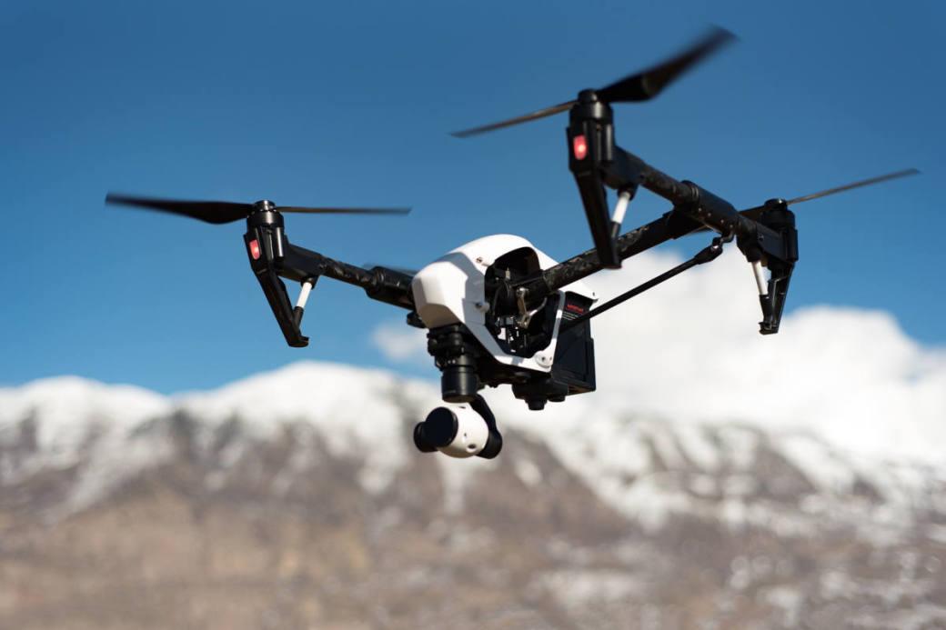 Symbolbild Drohne im Flug