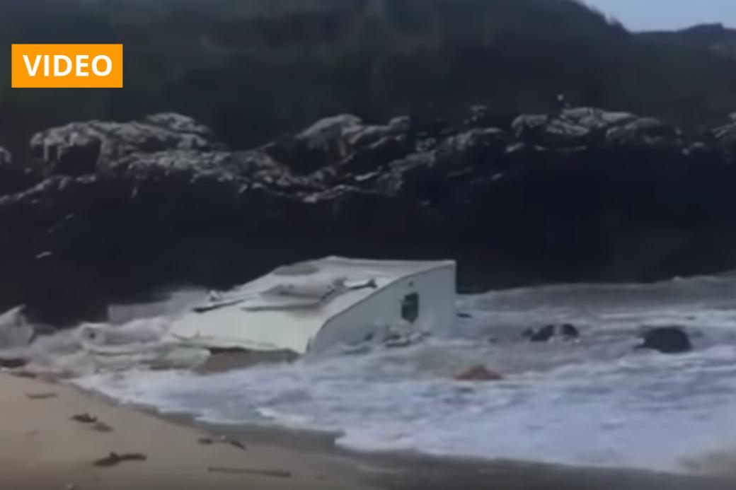 Sturm Ali wütet in Irland: Wind weht Wohnwagen über Klippe - Frau stirbt