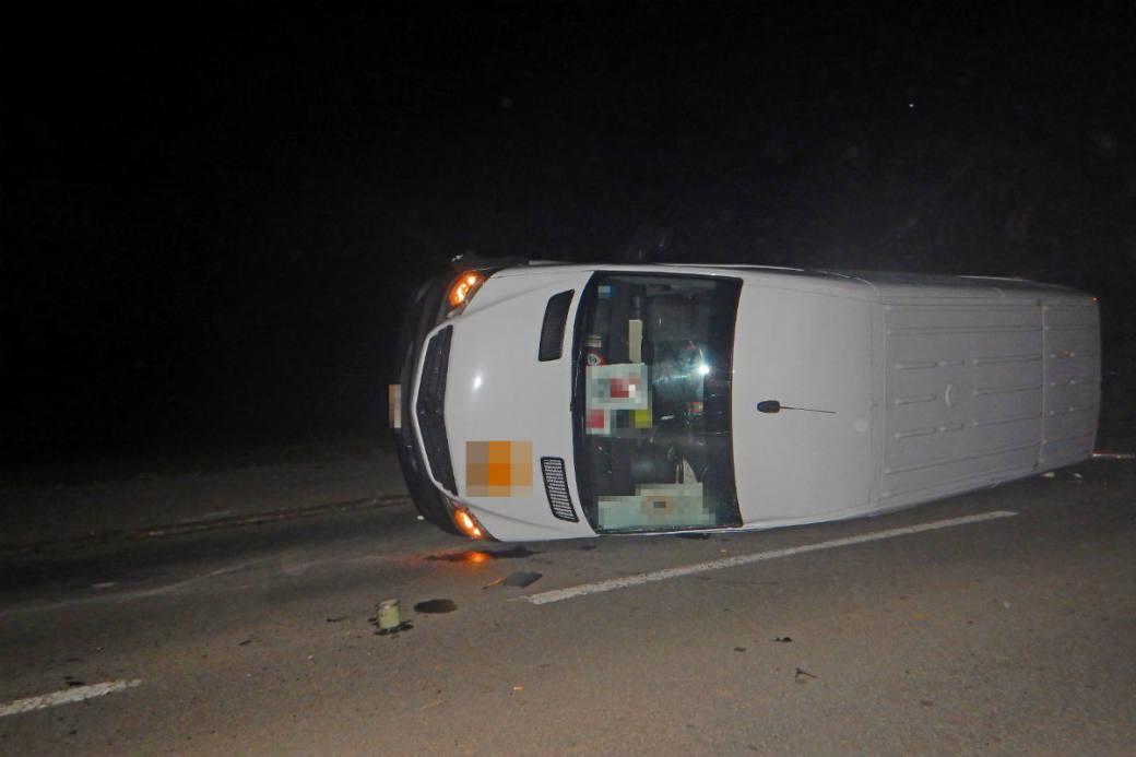 Die beiden Insassen im Lieferwagen blieben unverletzt.