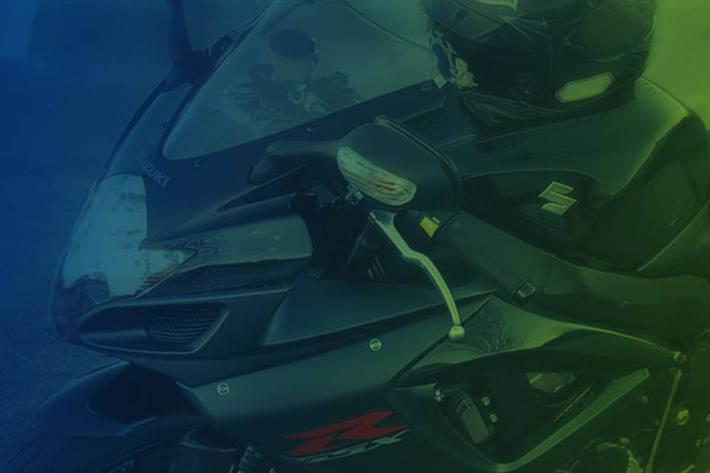 Es kam in Pierbach zu einem Frontalzusammenstoß, bei dem der 50-jährige Lenker des Motorrades schwer verletzt worden ist (Symbolbild)