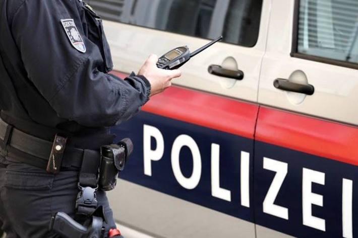 Die Polizei wurde zu einer Auseinandersetzung mit einem Messer in Wien alarmiert (Symbolbild)