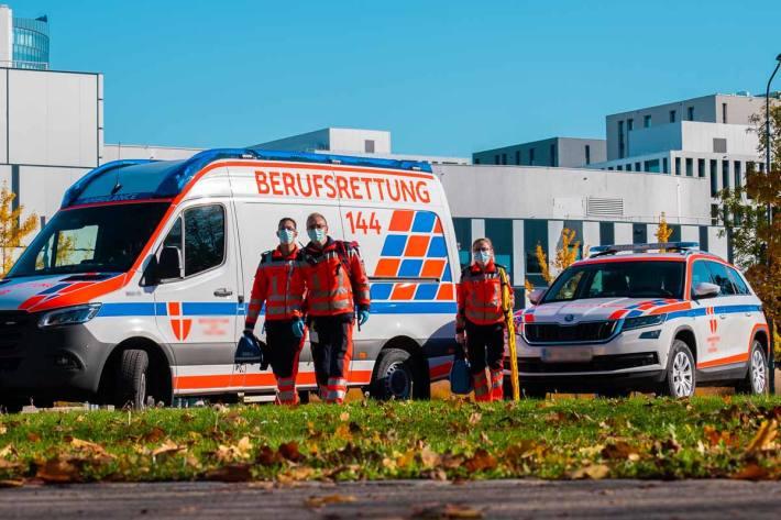 In Wien soll ein bislang noch unbekannter Mann einen Fußgänger mit einem Messer schwer verletzt haben (Symbolbild)
