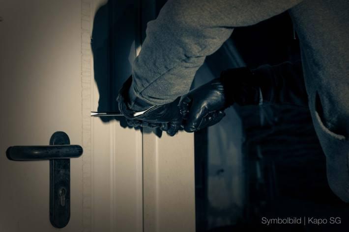 In Rorschach SG haben gestern Einbrecher eine Wohnung aufgebrochen.
