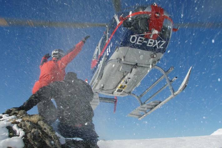 Mann mithilfe eines Presslufthammers aus Gletscherspalte im Ötztal befreit (Symbolbild)