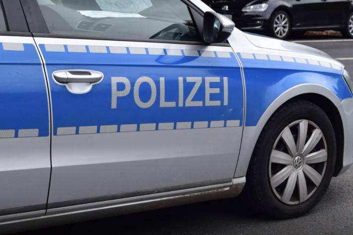 Bei einem Unfall in Bielefeld verletzte sich gestern eine Autolenkerin schwer.