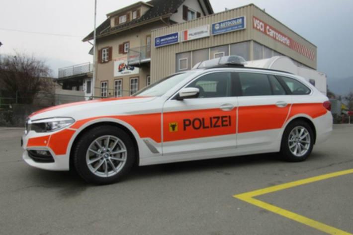 In Seedorf UR ist gestern ein Wohnmobil mit einer Verkehrssignalisationtafel kollidiert.