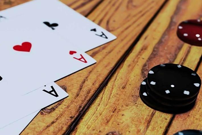 In dem Lokal in Pfäffikon wurde illegal organisiertes Pokerspiel angeboten  (Symbolbild)