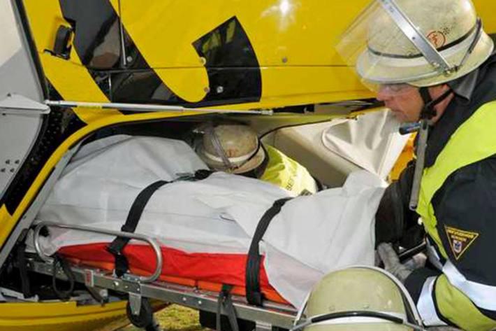 Die Frau wurde nach der Versorgung durch Rettungskräfte vor Ort mit dem Notarzthubschrauber in das Landesklinikum Horn geflogen (Symbolbild)