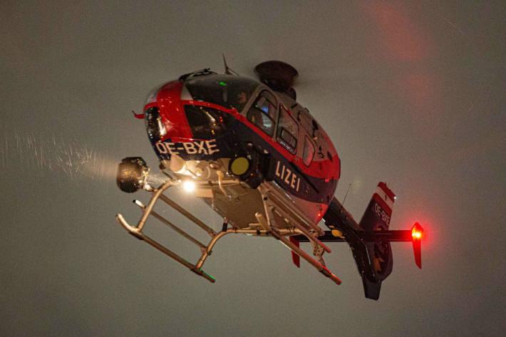 Trotz Unterstützung des Polizei-Hubschraubers konnte bisher keine Person festgenommen werden (Symbolbild)