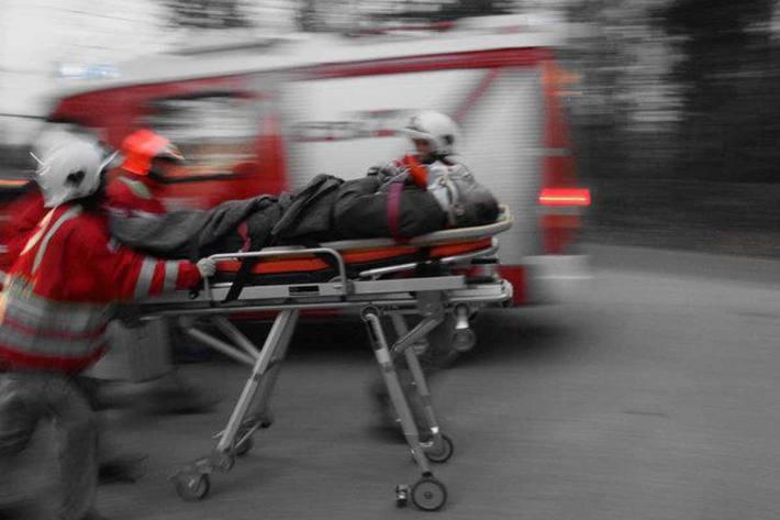 Die Frau aus Saalfelden wurde vom Roten Kreuz ins KH Zell am See gebracht (Symbolbild)