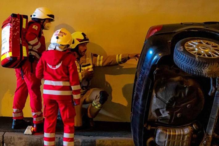 Verkehrsunfall mit Eigenverletzung in St. Gilgen (Symbolbild)