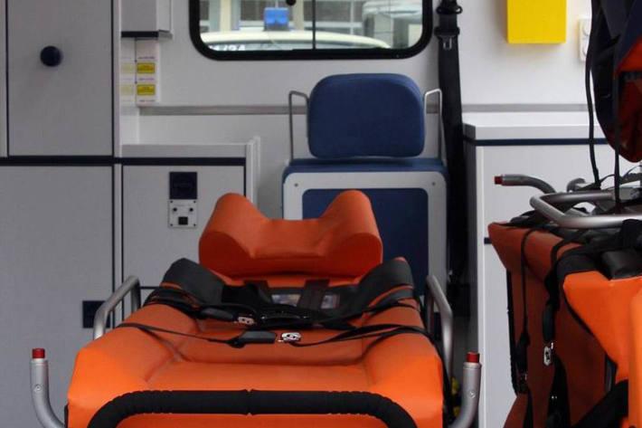 In Bad Driburg verletzten sich bei einem Unfall eines Notarztfahrzeugs der Fahrer und eine Notärztin schwer (Symbolbild)