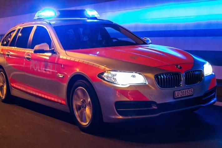 Gestern kam es in Ebikon LU zu einem Unfall zwischen Auto und Roller. (Symbolbild)