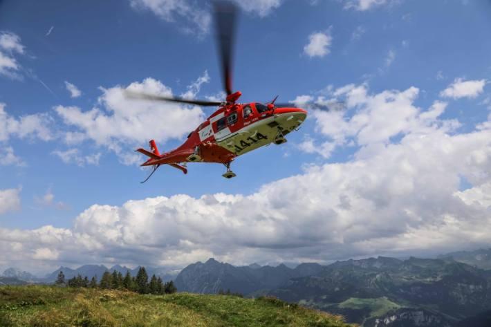 In Goldau SZ kam es gestern zu einem schweren Gleitschirmunfall.