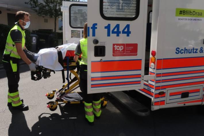 In Zürich kam es zu einer Kollision zwischen einer Fahrradfahrerin und einer Fussgängerin (Symbolbild)
