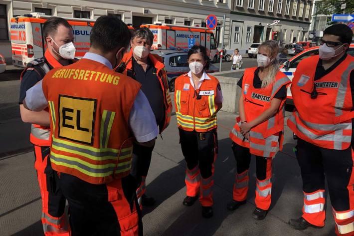 4 Personen bei schrecklichem Unfall in Wien verletzt (Symbolbild)