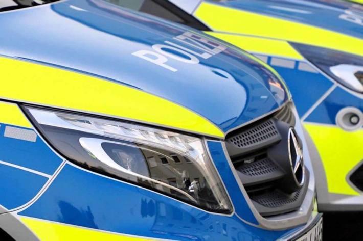 Zwei Polizeifahrzeuge auf Kreuzung in Viersen zusammengestoßen (Symbolbild)