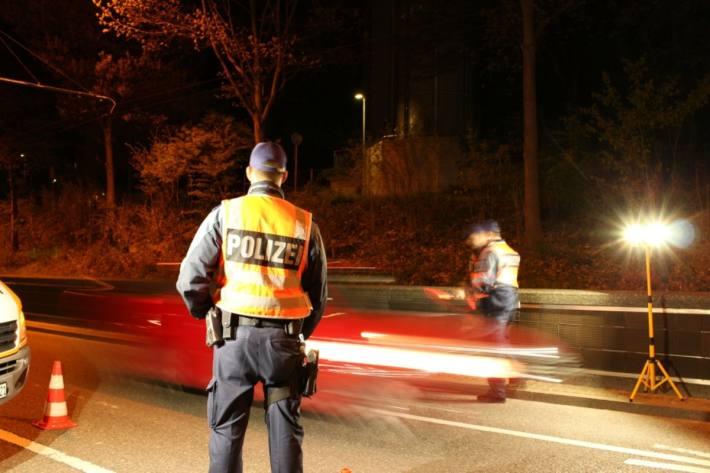 Mann in fahrunfähigem Zustand vor Polizei in Degersheim geflüchtet (Symbolbild)