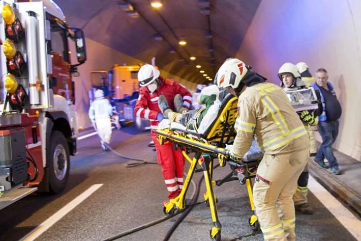 Schwerer Unfall im Allmendtunnel bei Thun (Symbolbild)