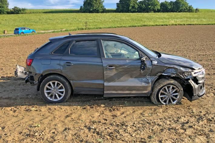 Zwei Erwachsene und zwei Kinder wurden beim Verkehrsunfall verletzt.
