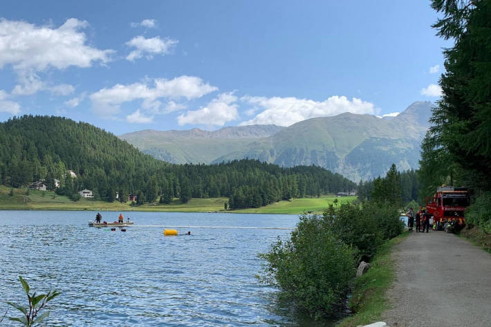 Quad nach Wendemanöver im St. Moritzersee versunken