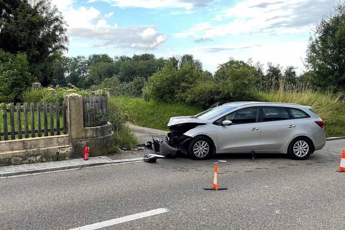 Beim Unfall wurden in Schönenbaumgarten zwei Personen verletzt