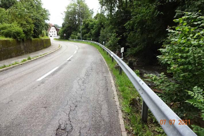 Setzungsschäden im Strassenbelag