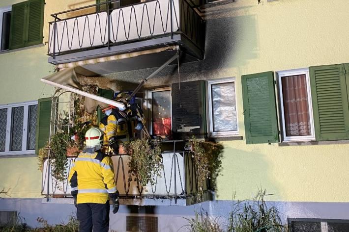 In Nussbaumen AG brannte gestern ein Balkon.