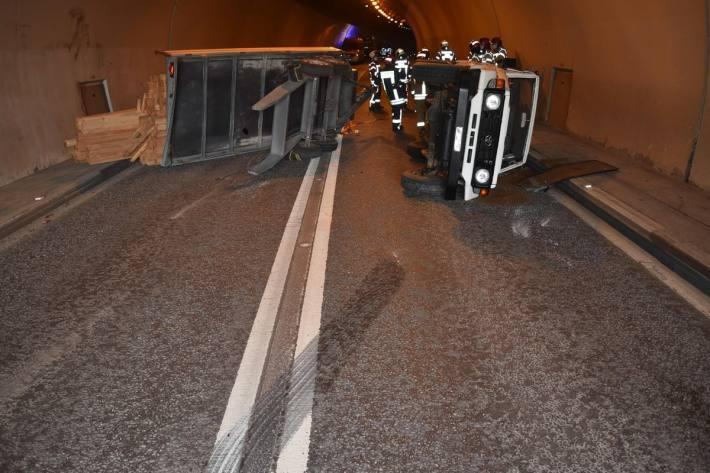 In Trin GR kam es gestern zu einem Unfall mit Sachschaden.