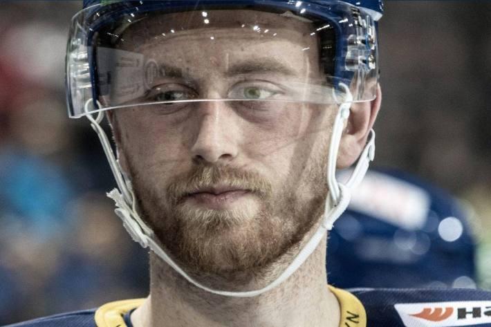 Dario Meyer bleibt beim HC Davos. Er hat seinen Vertrag verlängert.