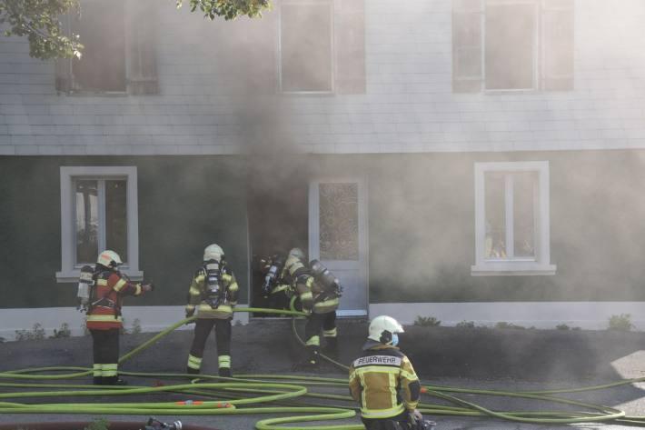 In Lohn-Ammansegg SO brannte es heute in einem Mehrfamilienhaus.