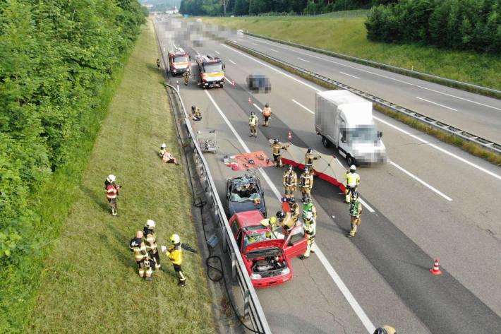 Feuerwehrübung auf der A1 bei Oberbüren