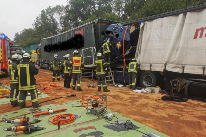 Schwerer Verkehrsunfall auf Autobahn A1 bei Gevelsberg