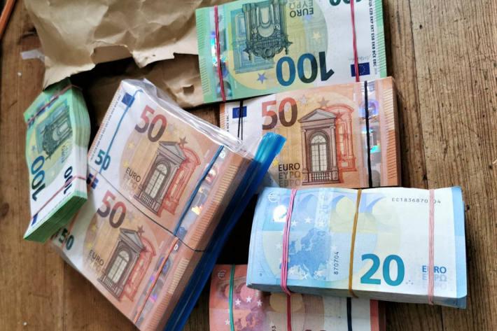 60.000 Euro Bargeld aus der Schublade des Küchentisches