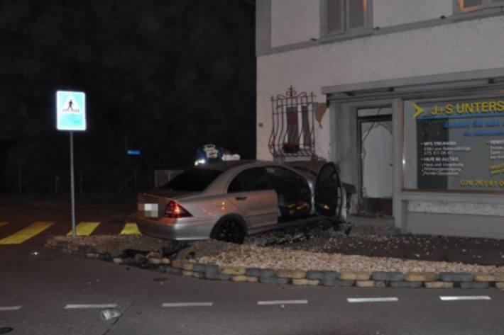 Beim schweren Unfall in Derendingen SO ist letzte Nacht ein 29-Jähriger gestorben.