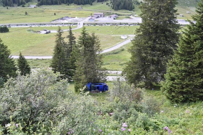 In Hinterrhein GR kam es gestern zu einem Verkehrsunfall mit zwei verletzten jungen Männern.