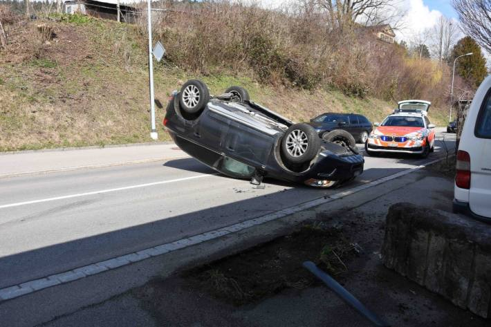 In Oberuzwil SG ist gestern eine Frau mit dem Unfall verunfallt.