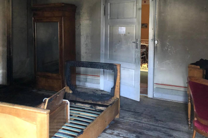 Brand in einem geschlossenem Hotel in Promotogno