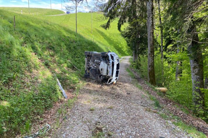 Endlage des Unfallfahrzeuges bei Fischingen