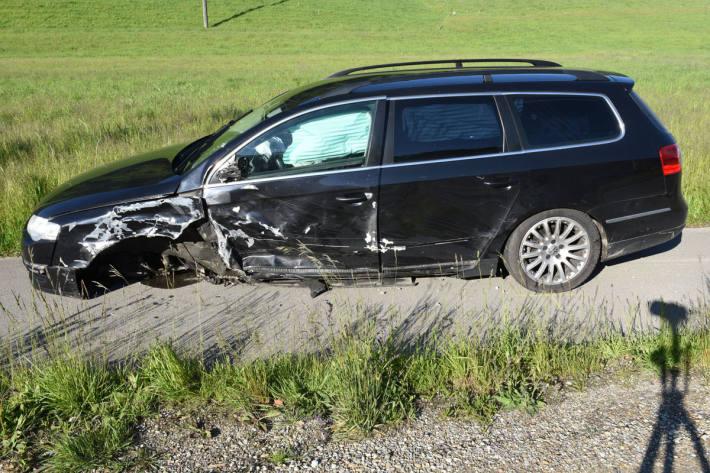 Mehrere Fahrzeuge wurden in Daiwil beschädigt