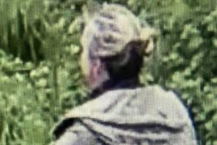 Dieser Frau wurde heute morgen im Kantonsspital Aarau unbemerkt das Mobiltelefon gestohlen.