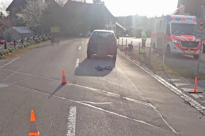 Das Kind wurde beim Unfall verletzt und musste ins Spital gebracht werden