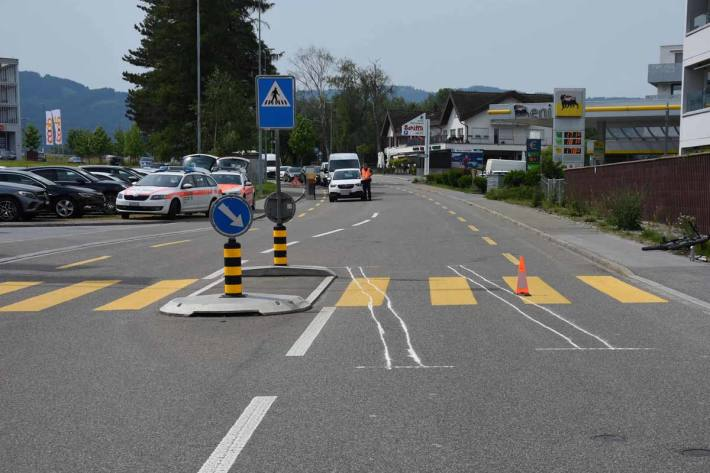 Verletzter Velofahrer nach Kollision mit Auto in Diepoldsau