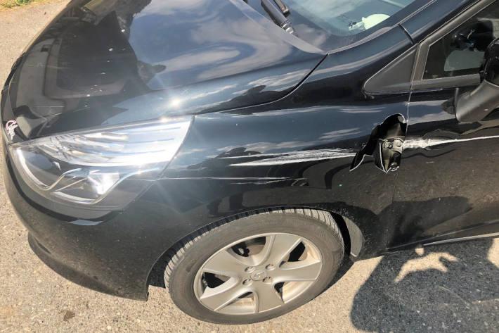 Am Unfall beteiligtes Fahrzeug in Glarus