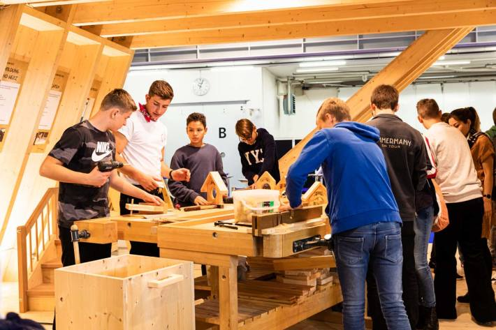 Gleich mit anpacken bei Holzbau Schweiz an der Berufsmesse (Berufsmesse Zürich 2019)