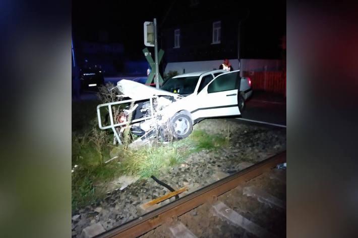 Unfall am Bahnübergang fordert hohen Sachschaden Münchhausen