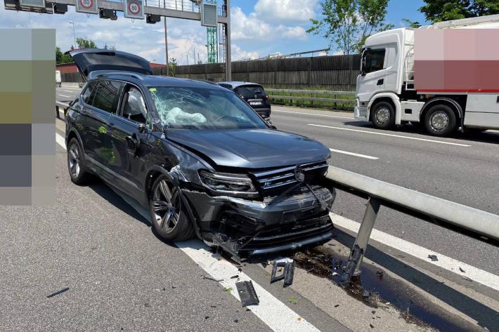 Betrunken Selbstunfall verursacht auf der A1 bei Neuenhof